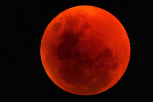 tmp/total-lunar-eclipse-june2011namibia-reservetucker1.jpg